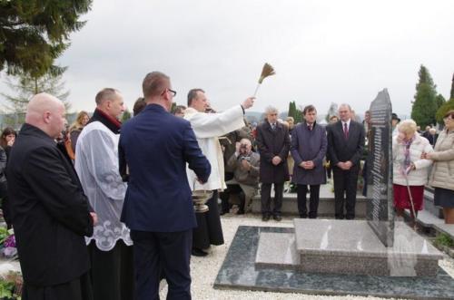 Odsłonięcie pomnika ku czci pomordowanych - 10 IV 2010
