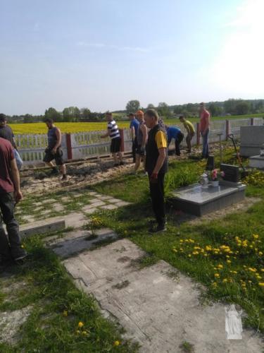 Prace na cmentarzu - kwiecień 2018